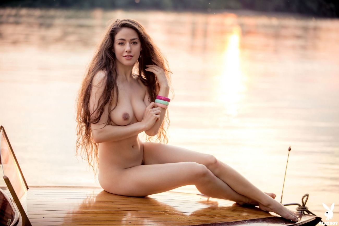 Ayden Mayeri  nackt