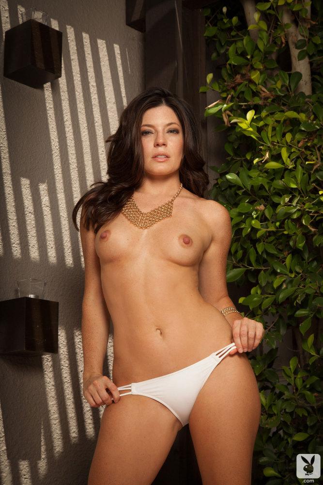 Nude sarah clayton Sarah Clayton